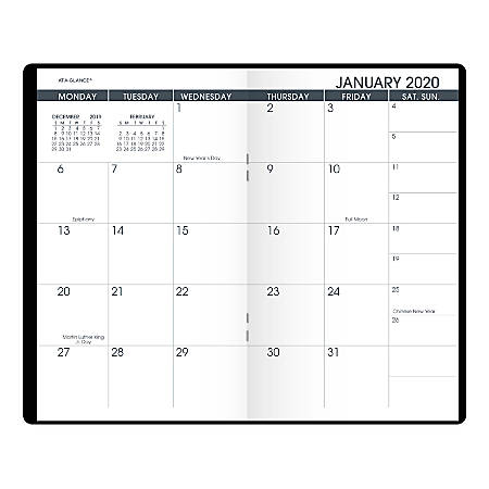 AT A GLANCE 2 Year Monthly Planner 3 12 x 6 Black January