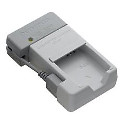 Olympus UC-90 Lithium-Ion Battery Charger for LI-90B - 110 V AC, 220 V AC, 5 V DC Input - Input connectors: USB - AC Plug